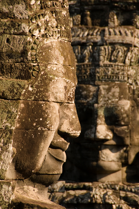 Alte Kulturen Bilder z.B als Leinwandbild oder Wandbild hinter Acrylglas: Detail of face towers at Bayon, state temple of Jayavarman VII.