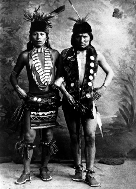 Alte Kulturen Bilder z.B als Leinwandbild oder Wandbild hinter Acrylglas: Black Elk (left) in undated photo