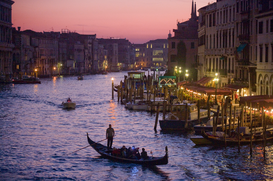 Foto: Bruggen, straten & verkeer - Italy, Veneto, Venice, Grand Canel from Rialto Bridge, sunset