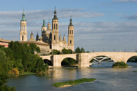 Foto: Historische gebouwen - Basilica-Cathedral of Our Lady of the Pillar, Zaragoza.