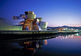 Foto: Moderne Architectuur - Gehry, Frank O. (b. Toronto, 1929). American architect. GUGGENHEIM MUSEUM...