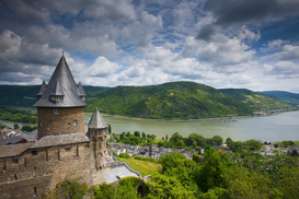 Architectuur Foto's bijv. als canvasfoto of wandfoto achter acrylglas: Stahleck Castle and the Rhine River, Bacharach, Germany