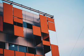 EyeEm Foto's bijv. als canvasfoto of wandfoto achter acrylglas: Low Angle View Of Building Against Sky