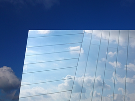 EyemEm Architectuur Foto's bijv. als canvasfoto of wandfoto achter acrylglas: Reflection Of Clouds In Glass Building
