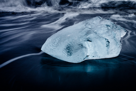 EyeEm Immagini p.ej., como imagen en lienzo o para la pared en metacrilato: Ice Block At Beach