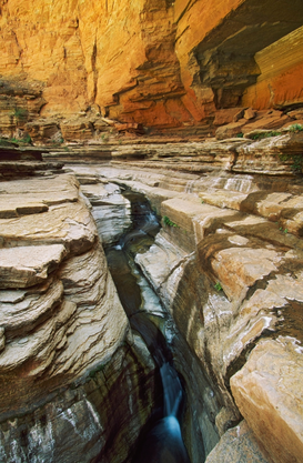 EE.UU. y Canadá Imágenes p.ej., como imagen en lienzo o para la pared en metacrilato: Stream passing through strata in Matkatamiba Canyon, Grand Canyon National Park, Arizona, USA