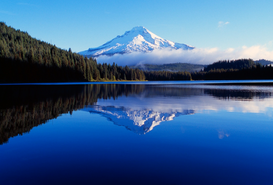 USA & Kanada Bilder z.B als Leinwandbild oder Wandbild hinter Acrylglas: Trillium Lake with reflection
