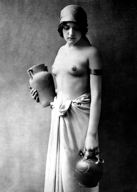 Nude, erotic & pin-up pictures Wall Art as Canvas, Acrylic or Metal Print Sklavin (Frauenakt) / Foto um 1910
