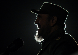 Mensen Foto's bijv. als canvasfoto of wandfoto achter acrylglas: Fidel Castro turns 84 recovered and in full activity