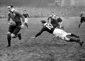 Full-contact sports pictures Wall Art as Canvas, Acrylic or Metal Print Rugby Union - Five Nations Championship - Wales v Scotland - Cardiff - 1939