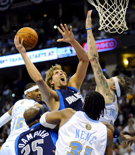 Foto: Voetbal & Co - NBA-Playoffs - Zweite Niederlage für Mavericks in Denver