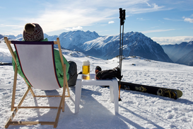 Winter sports pictures Wall Art as Canvas, Acrylic or Metal Print Skier relaxing with a beer.