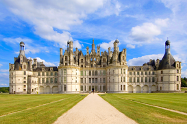 Pictures of Europe Wall Art as Canvas, Acrylic or Metal Print Schloss Chambord, das grässte Schloss an der Loire, Frankreich
