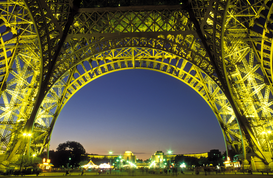 Paris Bilder z.B als Leinwandbild oder Wandbild hinter Acrylglas: france, paris, eiffel tower illuminated, low angle view