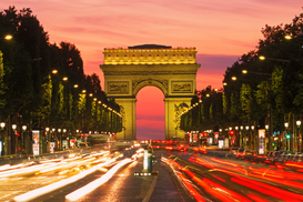 Parijs Foto's bijv. als canvasfoto of wandfoto achter acrylglas: traffic on champs elysee with arc de triomphe