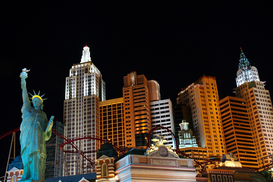 City pictures Wall Art as Canvas, Acrylic or Metal Print New York Skyline mit Freiheitsstatue in Las Vegas