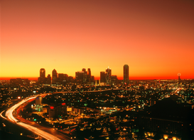 EE.UU. Imágenes p.ej., como imagen en lienzo o para la pared en metacrilato: usa, texas, dallas: lighted cityscape at dusk