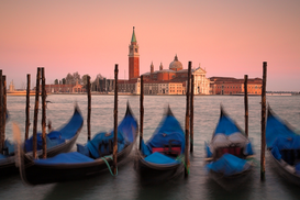 Venice pictures Wall Art as Canvas, Acrylic or Metal Print Gondolas with San Giorgio Maggiore