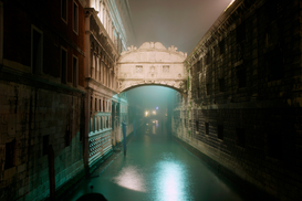 Venice pictures Wall Art as Canvas, Acrylic or Metal Print Venedig / Seufzerbruecke