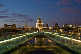 Foto: Londen - Millennium bridge london