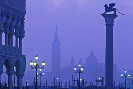Foto: Venetië - europe, italy, venice, view of san giorgio maggiore and the column of san marco from piazzetta san marco at dawn