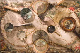 Stillleben Bilder z.B als Leinwandbild oder Wandbild hinter Acrylglas: Still life of old map with magnifying glasses
