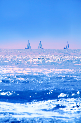 Stranden Foto's bijv. als canvasfoto of wandfoto achter acrylglas: A good day for sailing