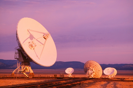 Immagini satellitari e vedute aeree Immagini ad esempio come immagine su tela o a muro dietro vetro acrilico: Very Large Array radio telescopes, Socorro, New Mexico, USA
